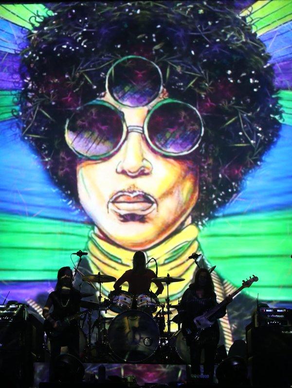 Spencer Derry artwork - Large - In Concert